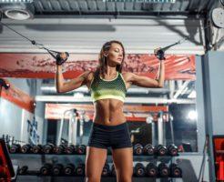 ジム トレーニング 女性